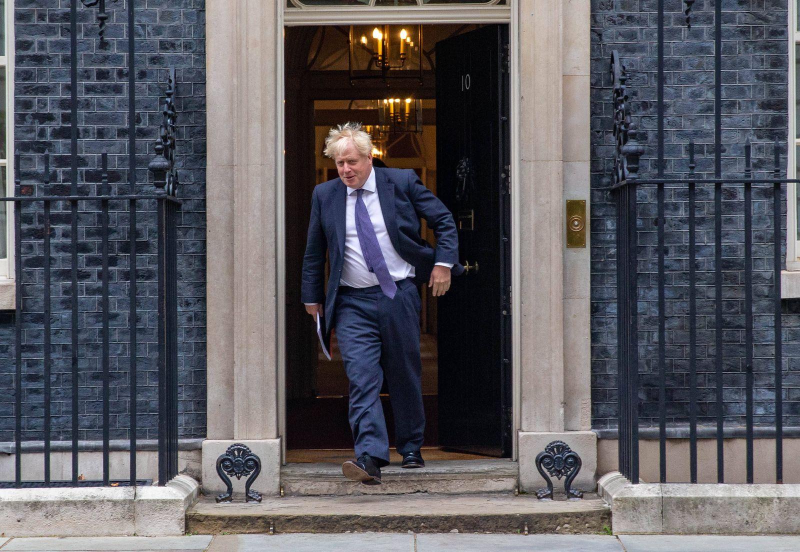. 08/09/2020. London, United Kingdom. Boris Johnson, UK Prime Minister, leaves 10 Downing Street. Cabinet meeting. Downi