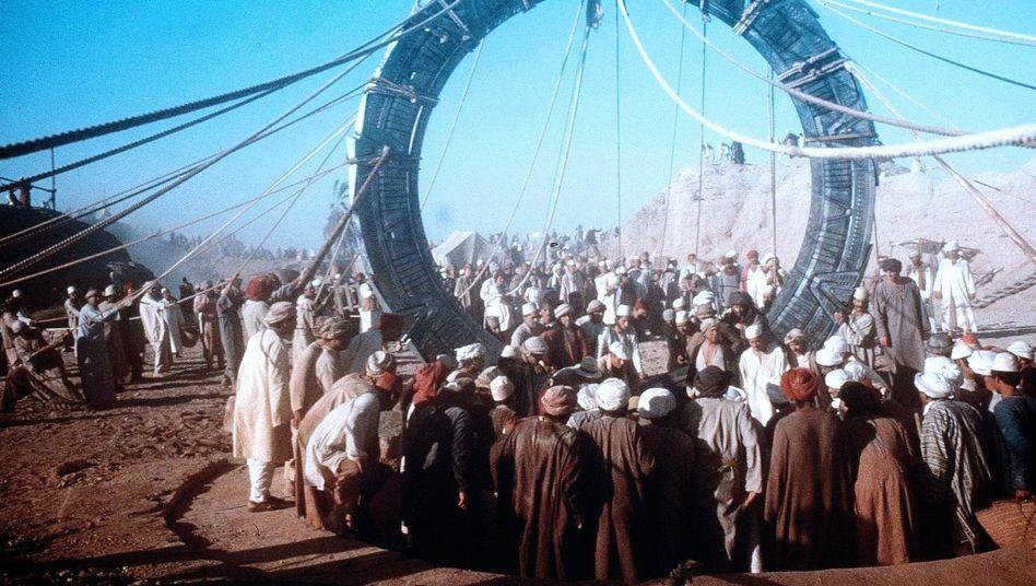 """Filmausschnitt (1994): """"Wir haben das Stargate-Universum vermisst"""""""