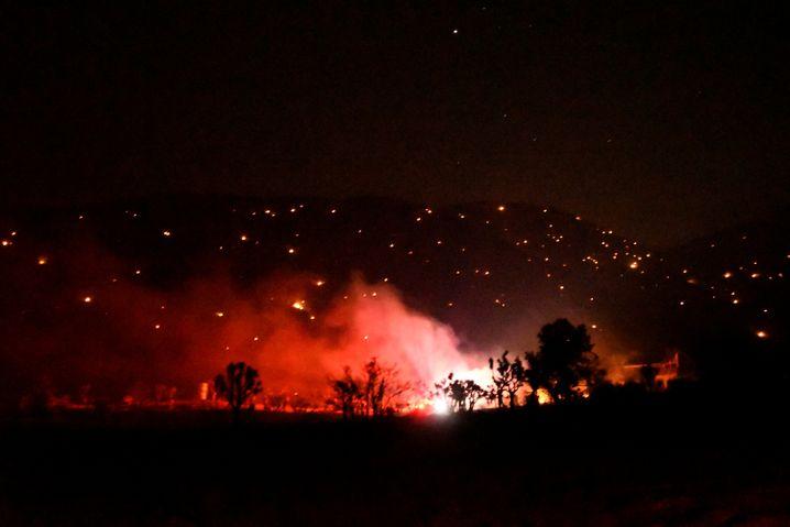"""Brandherd des """"Bobcat""""-Feuers bei Juniper Hill: Bisher nur zu 15 Prozent unter Kontrolle"""
