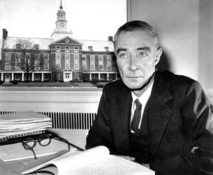 Robert Oppenheimer: Vater der Atombombe
