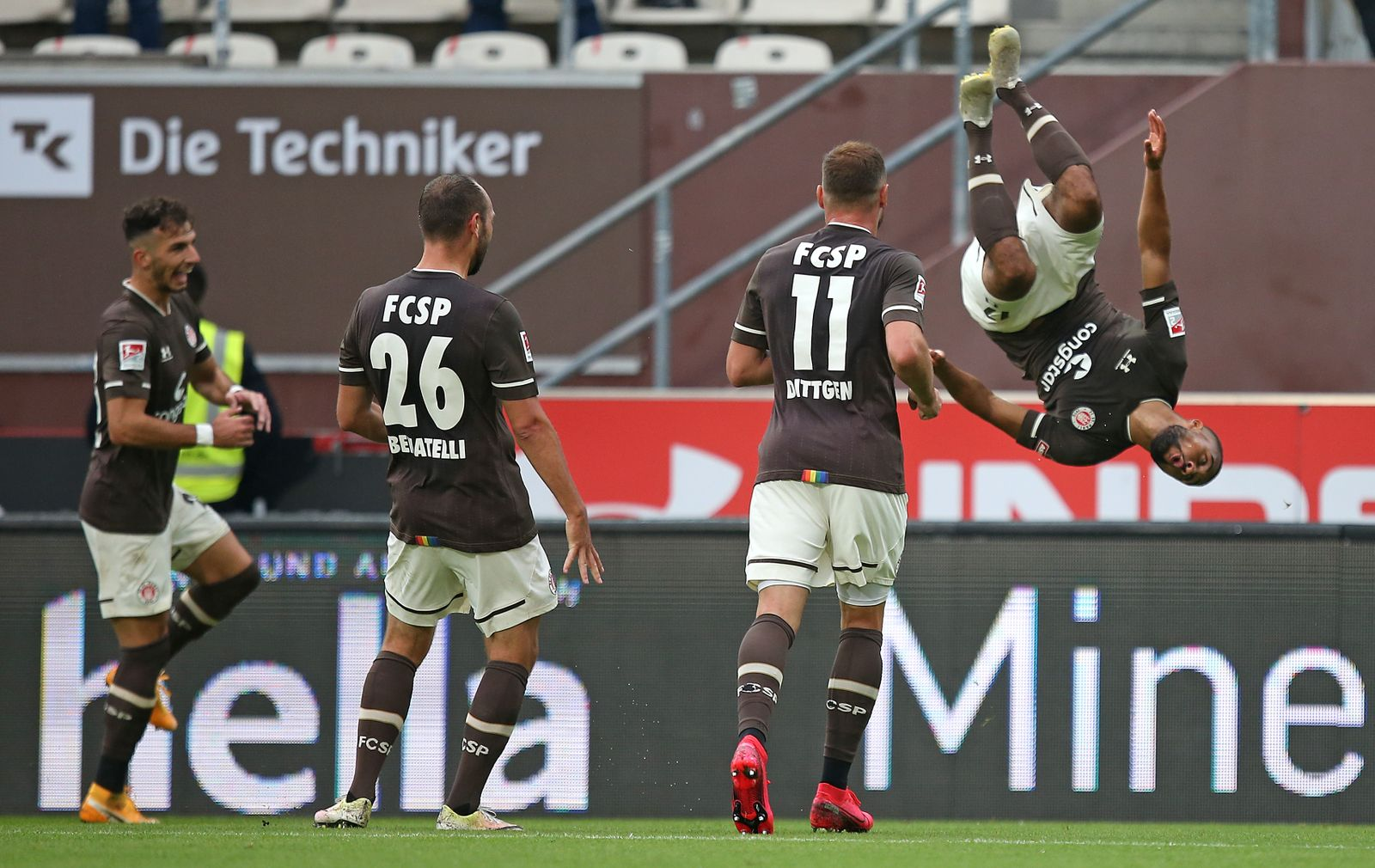 FC St. Pauli v 1. FC Heidenheim 1846 - Second Bundesliga