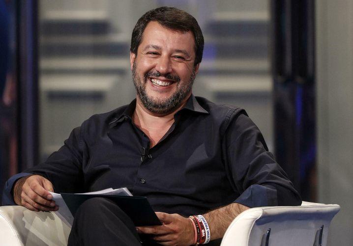 """Populist Salvini: """"Niemand von denen geht an Land!"""""""