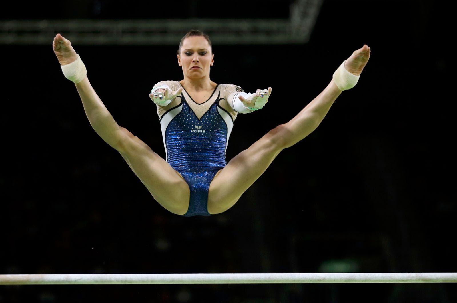 OLYMPICS-RIO-AGYMNASTICS-W-UNEVEN
