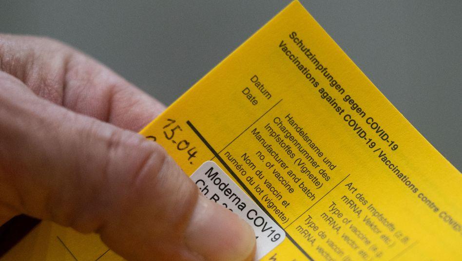 Der gelbe Impfpass: Der digitale Corona-Impfnachweis soll im Juni kommen