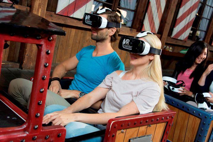 VR-Brillen des Europa-Parks: Alte Attraktion aufgepeppt. VR-fähig sind aktuell die ersten fünf von zehn Sitzreihen