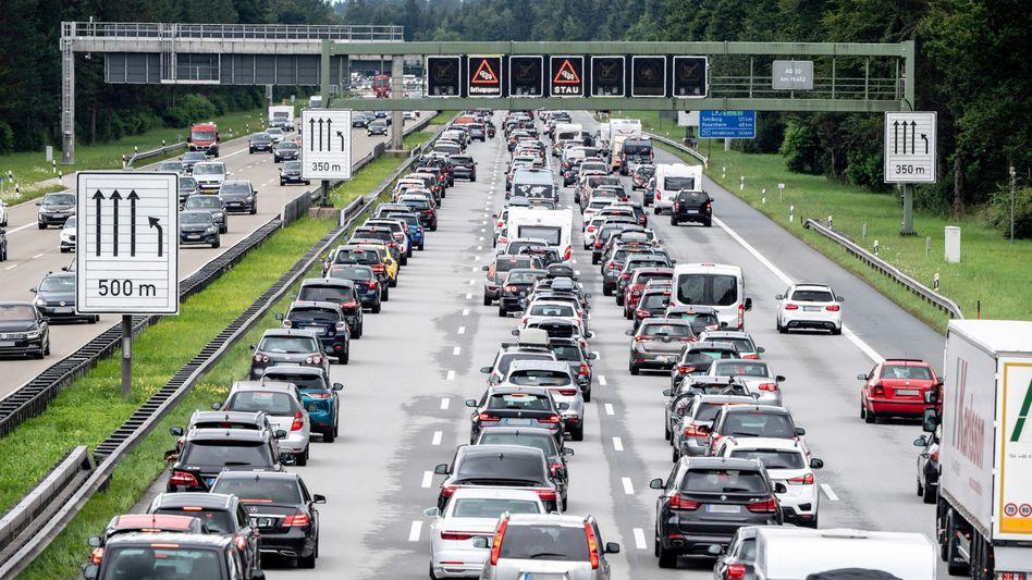 Am Wochenende wird es zäh auf Deutschlands Autobahnen
