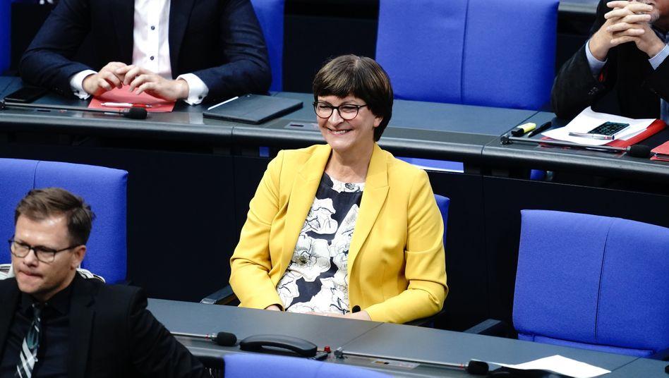 SPD-Chefin Saskia Esken im Bundestag