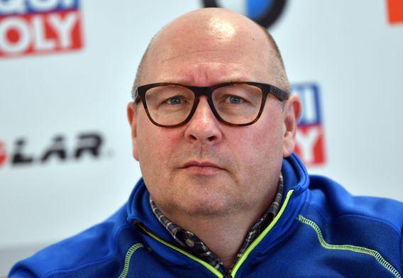 Niklas Carlsson (44) ist seit September 2019 der Generalsekretär der Internationalen Biathlon-Union (IBU). Der Schwede hat davor bereits in mehreren nationalen und internationalen Sportverbänden gearbeitet, unter anderen im schwedischen Skiverband und dem internationalen Skiverband FIS. Sein Schwerpunkt lag dabei in der Vergangenheit auf dem Management und der Durchführung von Großveranstaltungen wie etwa der Alpinen Skiweltmeisterschaft im Februar 2019 in Åre.