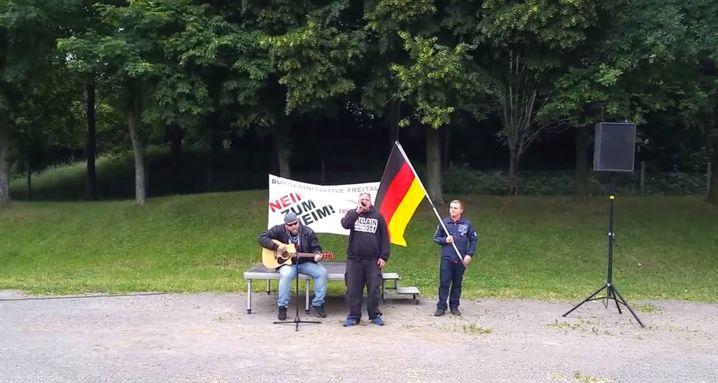 """Screenshot aus """"A3stus""""-Video: """"Vereinigt euch - und Zion fällt"""""""