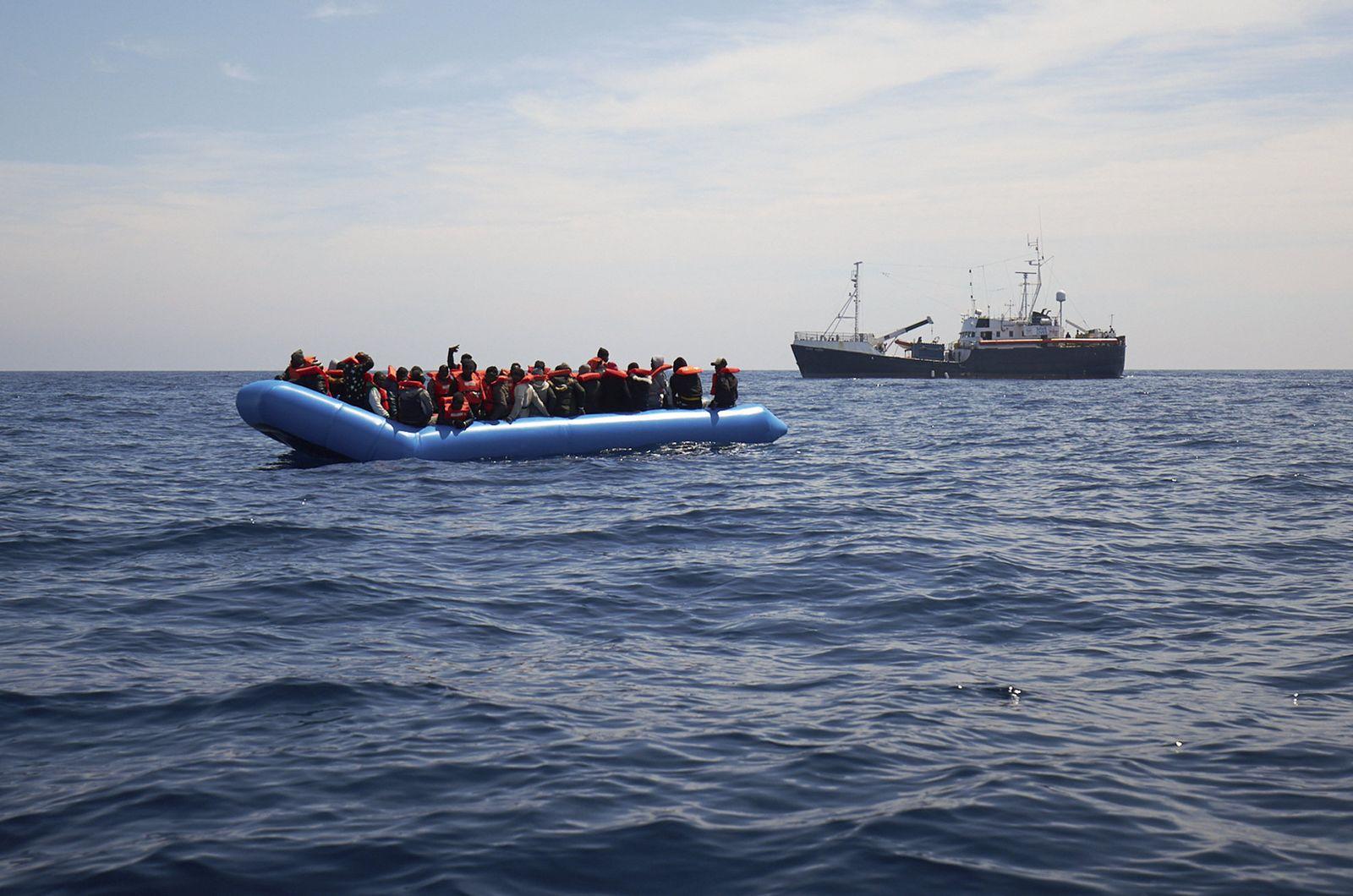 64 Flüchtlinge gerettet