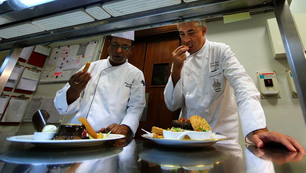 "Gastronomie: Kamel-Burger und ""Camel-ccino"""
