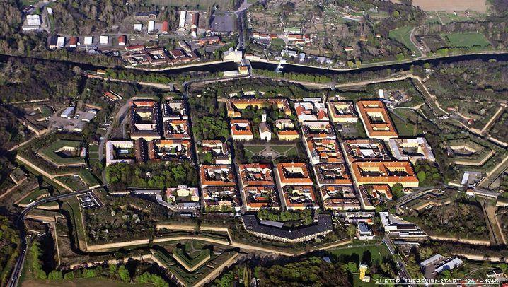 Spurensuche in Terezin: Zeichen an der Wand