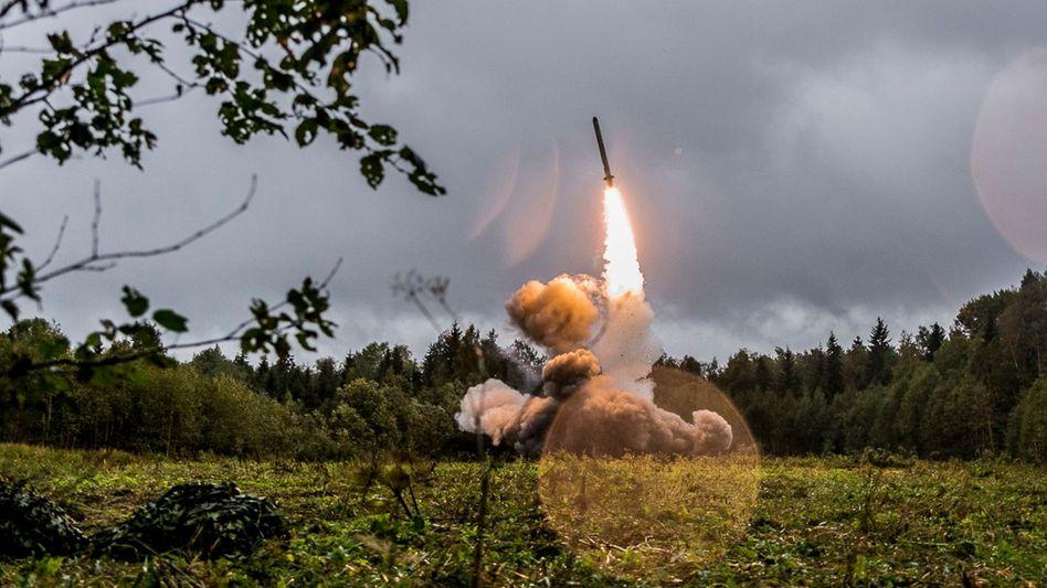 Raketenstart bei einer russischen Militärübung 2017