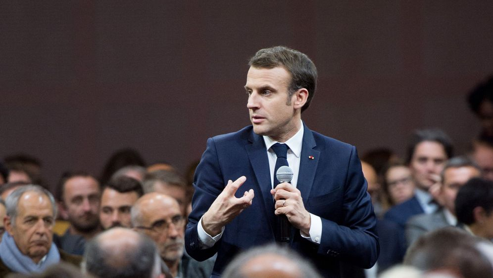 Photo Gallery: Macron Learns to Fight