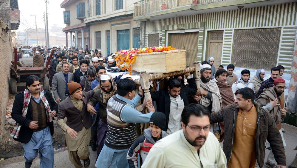 Trauer nach Taliban-Anschlag: Entsetzen in Pakistan