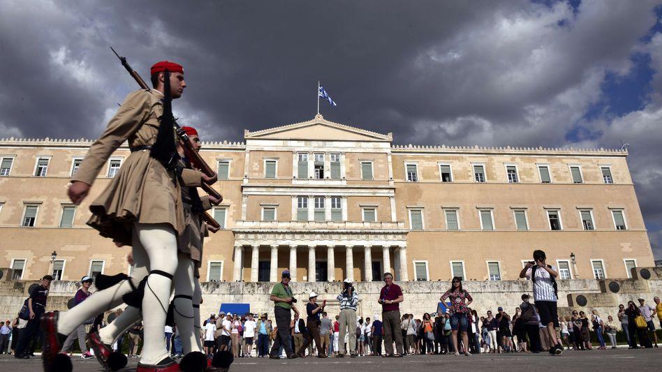 Parlament in Athen: Sind die Tage des Euro in Griechenland gezählt?