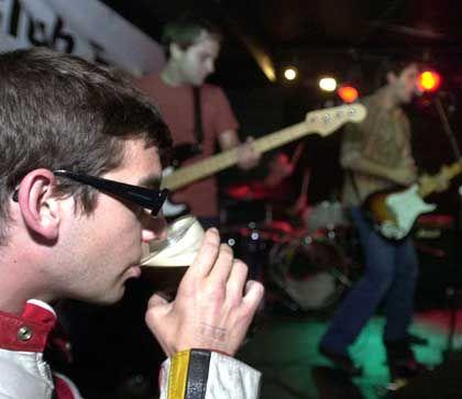 Pubgänger in London: Trink, Kunde, aber trink nicht zu viel