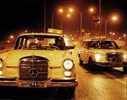Mercedes-Taxis im Morgenland: Angela Bergling fotografierte in Amman, Jordanien