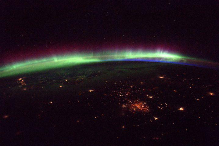 Auch dieses Bild von Pesquet zeigt ein Polarlicht