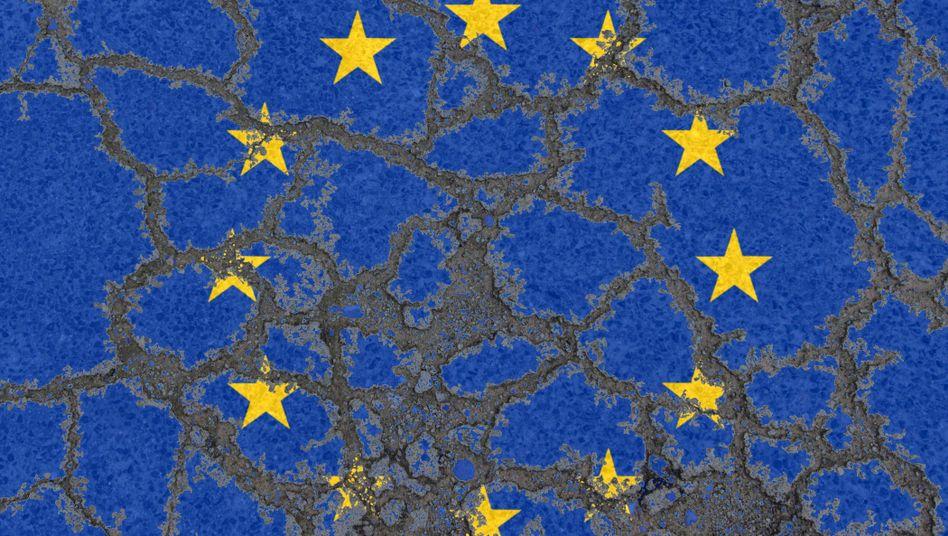 Flagge der EU auf bröselndem Asphalt: Scheitert die Union?