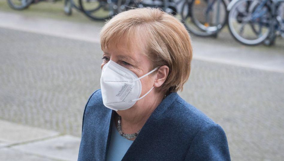 Angela Merkel mit FFP2-Maske