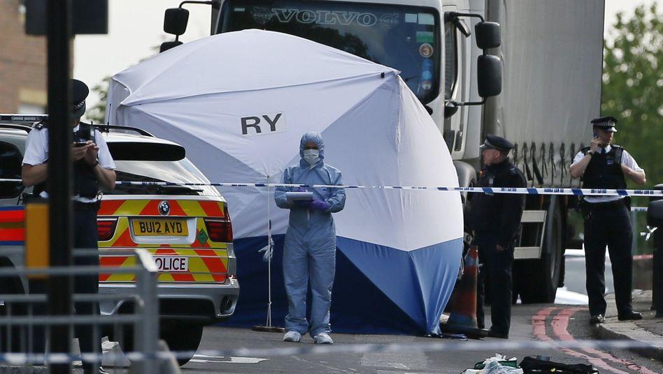 Möglicher Terrorakt: Soldat in London mit Schlachtermessergetötet