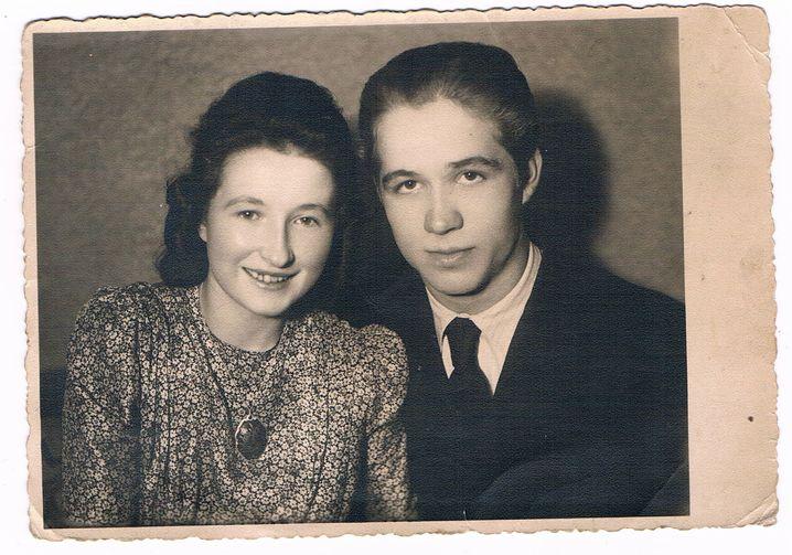 """Eltern Elisabeth, Walter Rothmann (undatierte Privataufnahmen): """"Der Krieg saß immer mit am Tisch"""""""