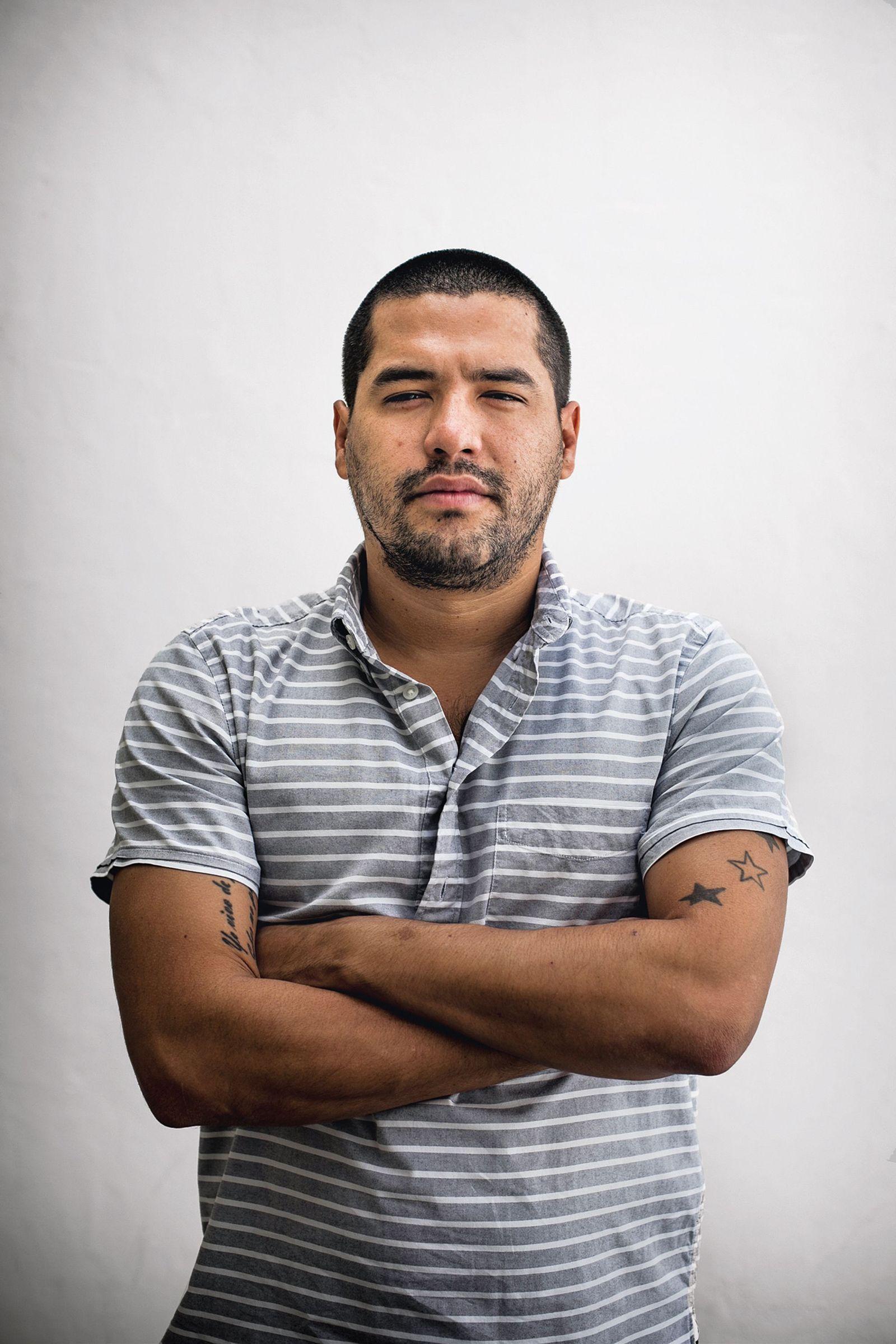 EINMALIGE VERWENDUNG Buch/ Oscar Martinez: Eine Geschichte der Gewalt