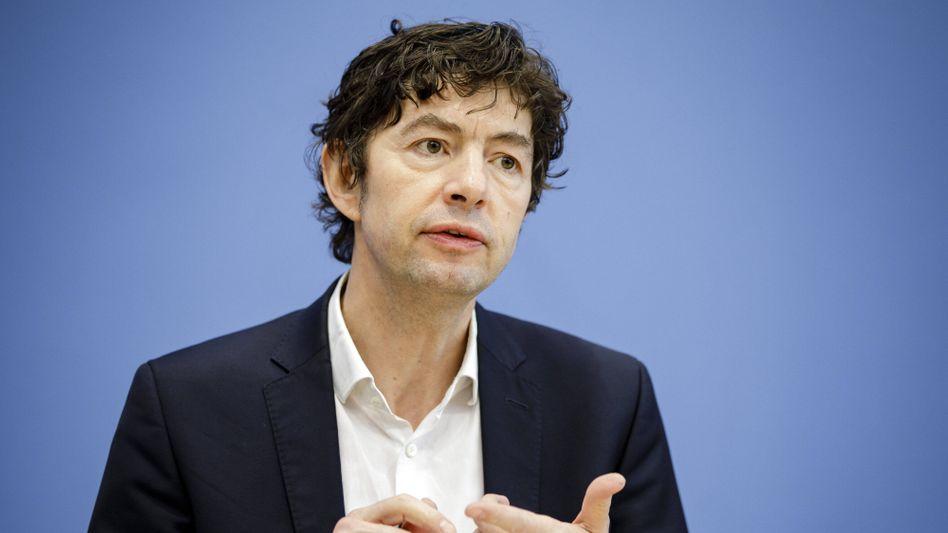 """Christian Drosten, Direktor am Institut für Virologie der Charité Berlin: """"Alle Alarmsensoren anschalten"""""""