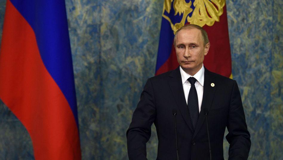 Begründungfür Jet-Abschuss: Putin wirft Türkei Öl-Geschäfte mit demISvor