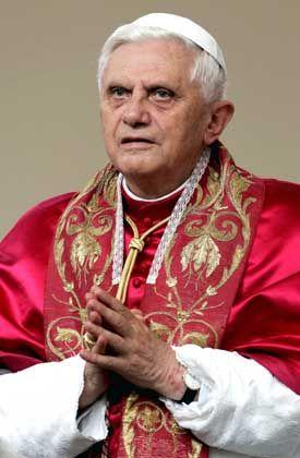 Papst Benedikt XVI.: Kein Platz für homosexuelle Kultur unter Priestern