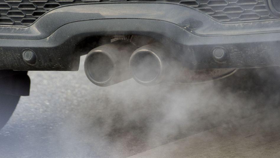 Autoabgase (Symbolbild)