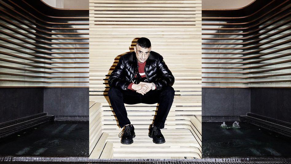 Künstler Haftbefehl: »Rapper sind generell sehr anti«