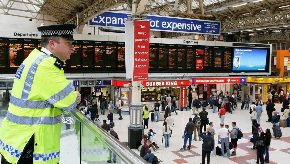 """Londons Victoria Station (2005): Verwandelt sich der Bahnhof in einen """"blutigen Dschungel""""?"""