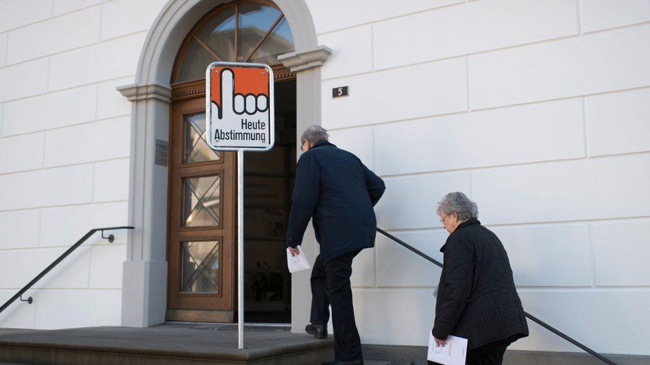 Abstimmungslokal in Glarus