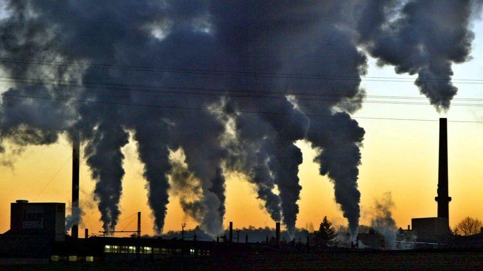 Rauchende Schornsteine: Die EU ist noch weit entfernt von der Klimaneutralität