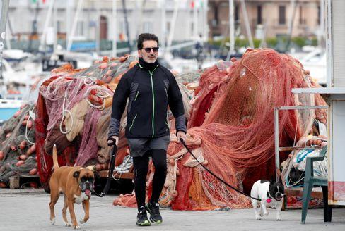 "Passant in Neapel (am 1. Mai): ""Fase due"" startet"
