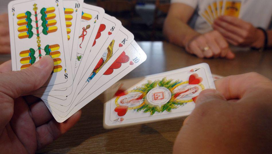 Aus der Kneipe ins Klassenzimmer: Schafkopf ist ein traditionelles bayerisches Kartenspiel.
