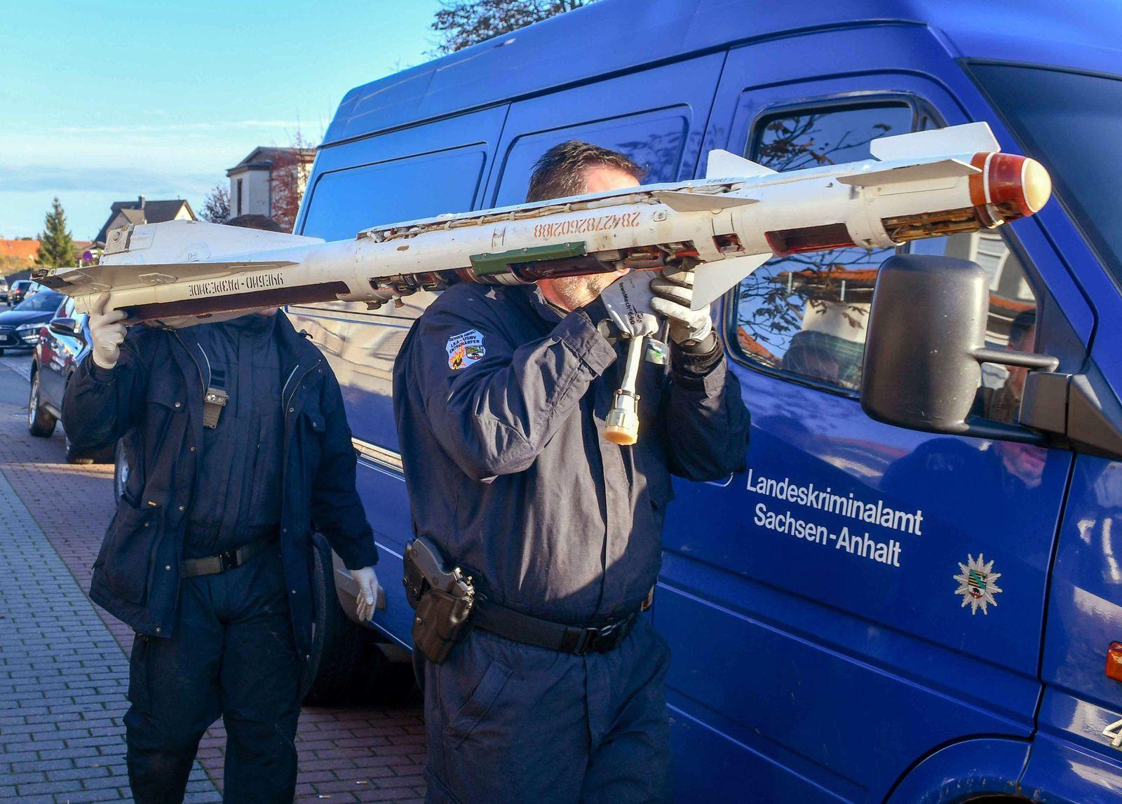 SEK-Einsatz:Polizei stellt Minen und Granaten in Wohnung sicher