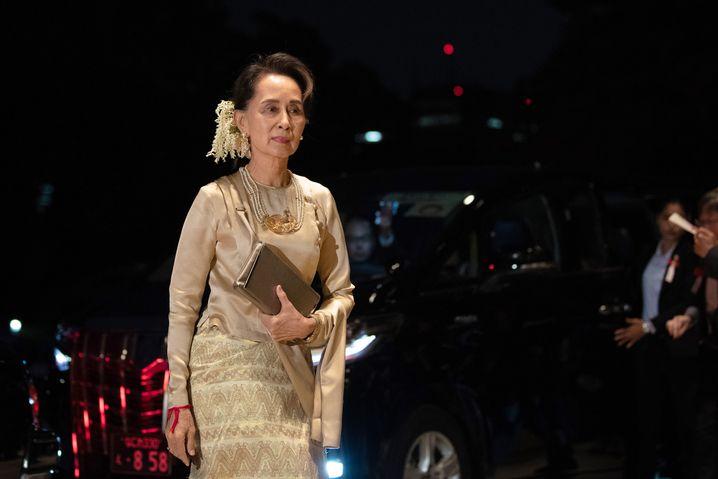 Aung San Suu Kyi 2019 in Tokio, Japan