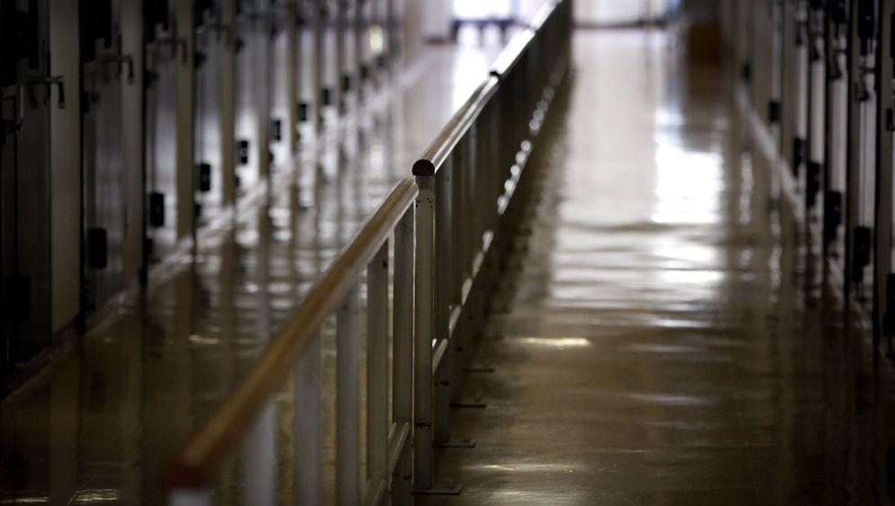 Gefängnisse für Greise: Windeln, Gehwagen, Handarbeiten
