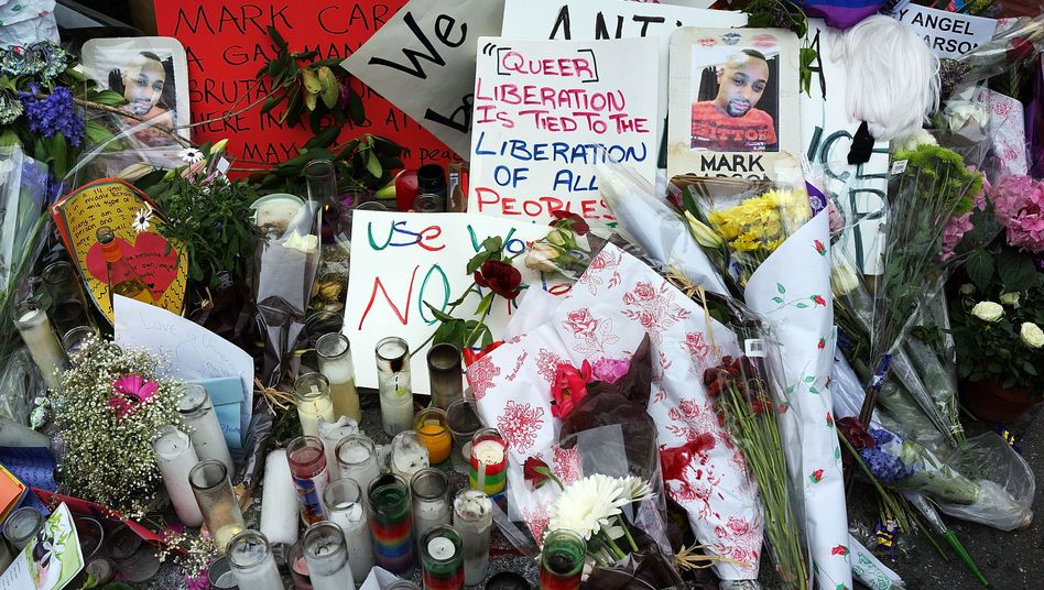 Gedenkstätte für den ermordeten Mark Carson in New York: Auf offener Straße erschossen