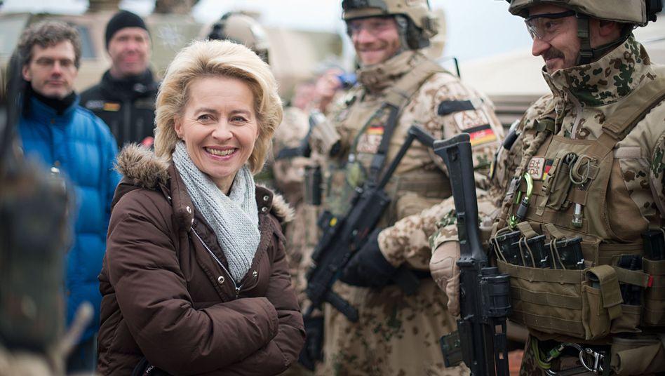 Ursula von der Leyen in Afghanistan: Antreten für die Mutter der Kompanie