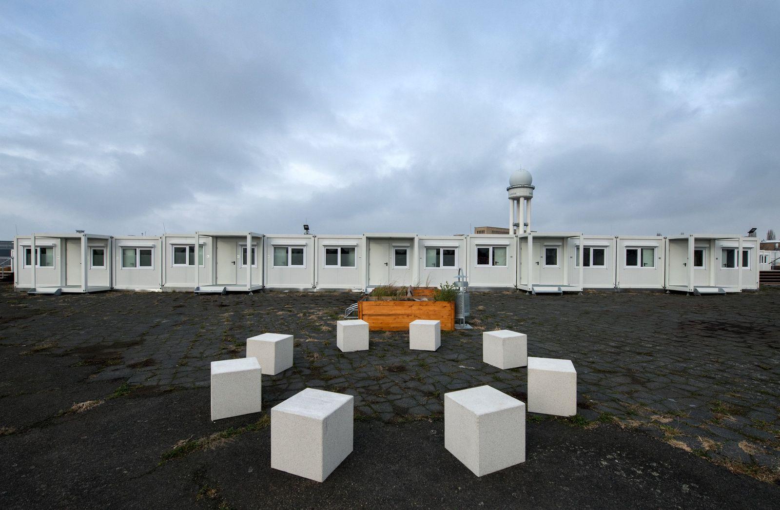 Tempohomes auf dem Tempelhofer Feld in Berlin