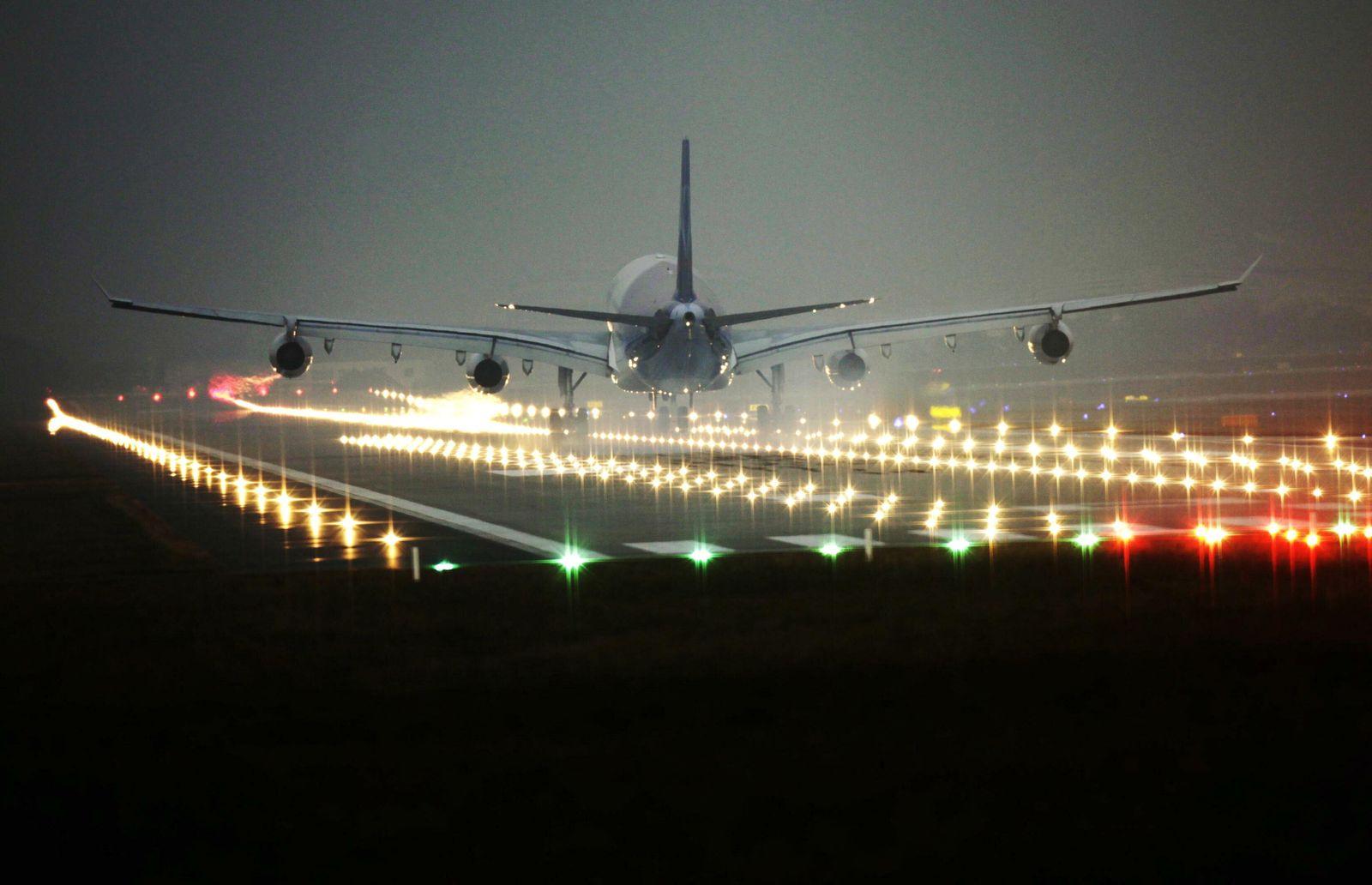 NICHT VERWENDEN Luftverkehr/Nachtflugverbot/Nachtfluege/Flughafen