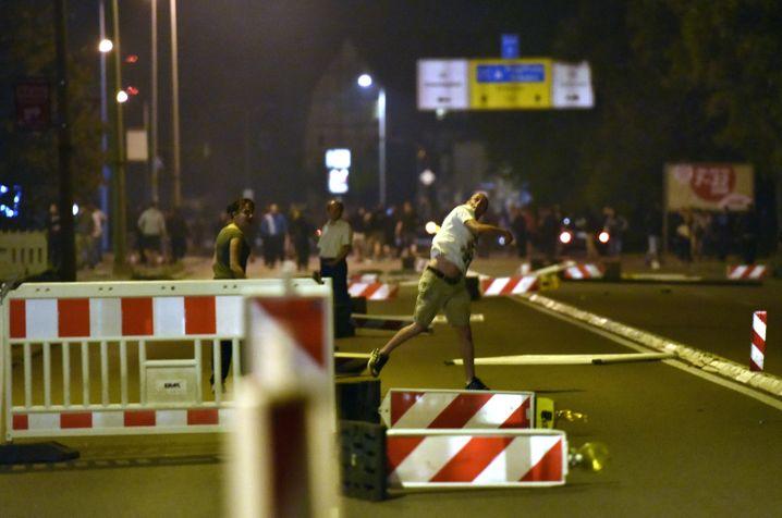 Ausschreitung (am 22. August): Der rechte Mob tobt