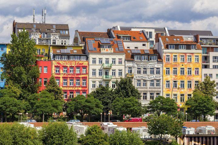 Häuser in der Hafenstrasse. Die Gebäude sind heute saniert und in der Hand einer eigens gegründeten Genossenschaft.
