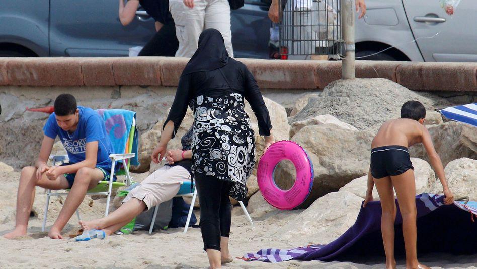 Frau im Burkini in Marseille