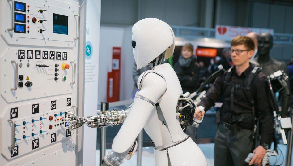 Stand des deutschen Forschungszentrums für künstliche Intelligenz (DFKI) auf der Cebit