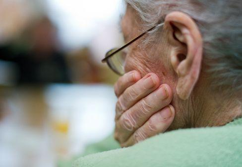 Die Sterblichkeit in Pflegeheimen ist während der Pandemie deutlich gestiegen